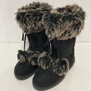 Suede Ugg Style Black Winter Boots With Fur and Embroidery Size 8